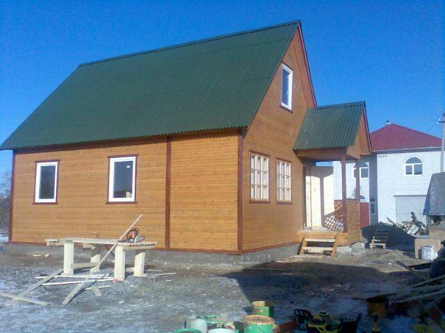 На сегодняшний день деревянные дома являются одними из самых популярных среди любых других видов вариантов постройки